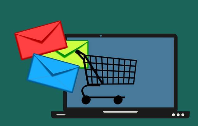 Campanhas de e-mail marketing são eficazes para gerar vendas na black friday.